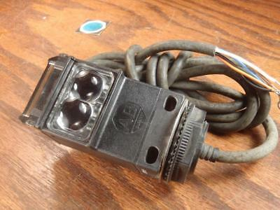 Allen Bradley - Photoswitch Photoelectric Sensor Switch - 42grxp-10010-02