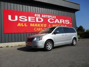 2008 Chrysler Town & Country Touring power doors and tailgate