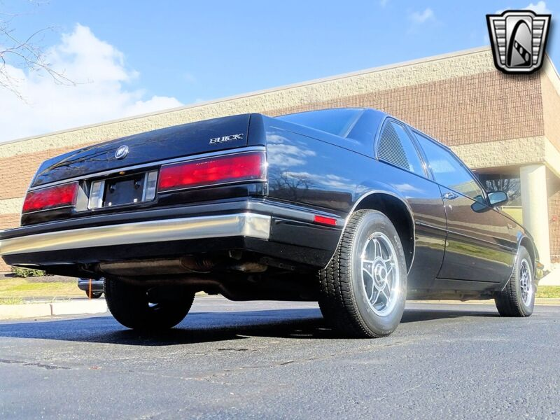 Image 4 Voiture American classic Buick LeSabre 1986