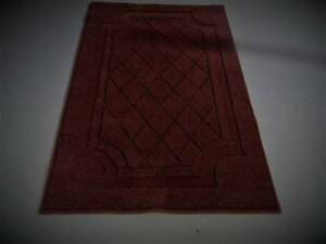 ELEGANT PURE WOOL AREA RUG  100 cm x 160cm.  ( 3 available ) Coes Creek Maroochydore Area Preview