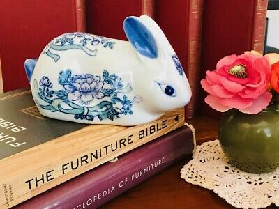 White Ceramic Bunny (Ceramic Hand Painted Blue and White Bunny Rabbit Figurine, Delft Style Chinese)