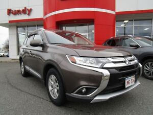 2016 Mitsubishi Outlander ES w/back up cam, sunroof, $150.68 B/W