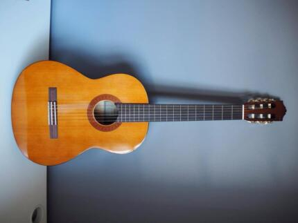Yamaha C40 Guitar with Carry Bag _ never used