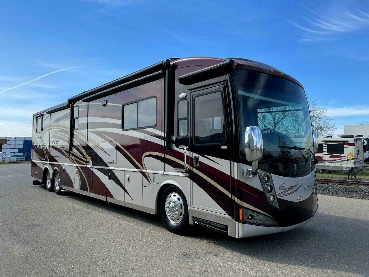 2012 WINNEBAGO TOUR 42JD CLASS A COACH DIESEL PUSHER MOTORHOME BATH & HALF