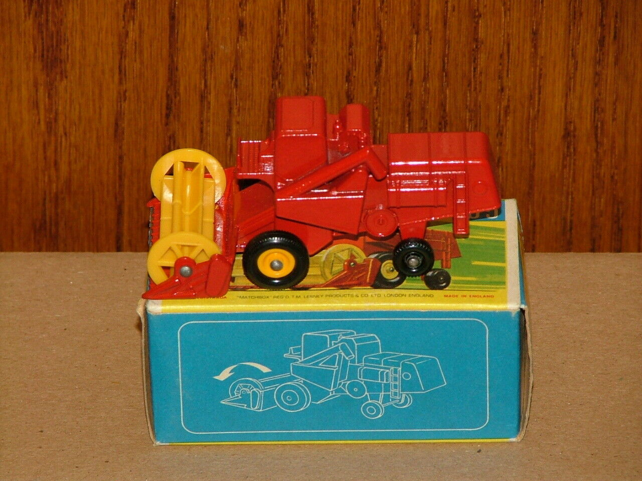 MATCHBOX #65 CLAAS COMBINE HARVESTER - LESNEY ( New Old Stock )