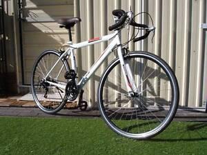 700c white Road Bike Kingsford Eastern Suburbs Preview