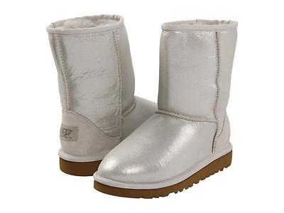 UGG GIRLS BOOTS CLASSIC SHORT GLITTER SILVER SPARKLE 6 Y fits WOMENS SIZE 8 - Girls Sparkle Boots