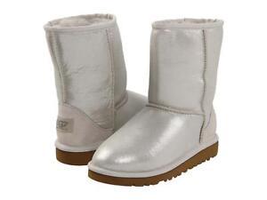 NEW UGG GIRLS BOOTS CLASSIC SHORT GLITTER I DO CLOUD SZ 5 YOUTH fits Womens SZ 7