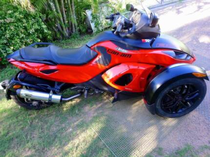 2012 Can-am Spyder RSS. Great condition.