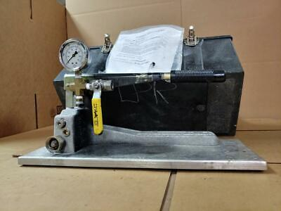 Barbee Engineered Testing Systems P50-101-0-4-sm Hand Pump  J