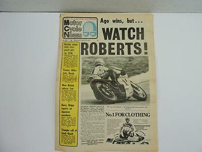 April 1974 Motor Cycle News Newspaper Yamaha 4 700 BMW Centre L11045