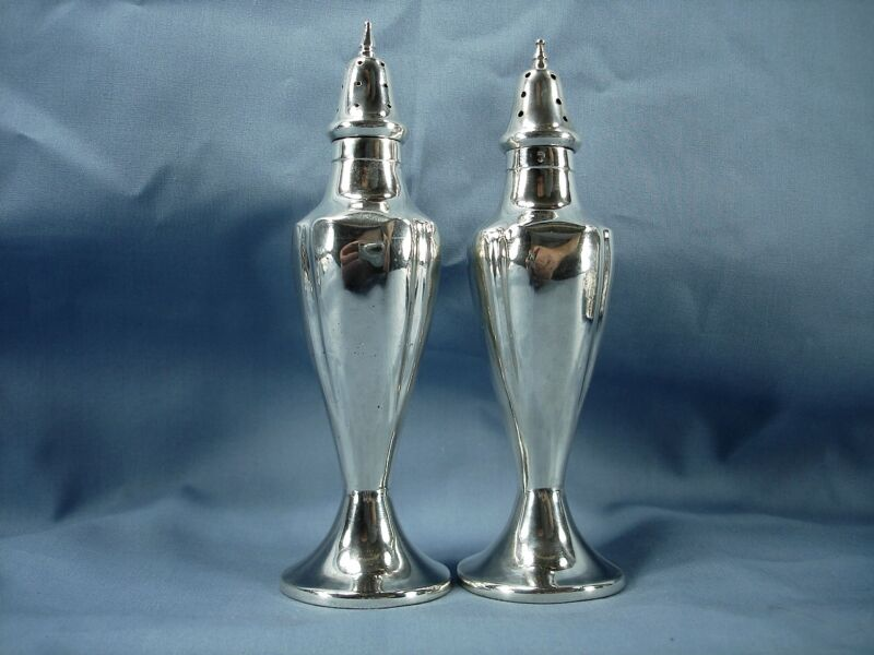 SANBORNS MEXICO STERLING VINTAGE PAIR OF SALT AND PEPPER SHAKERS MEXICAN