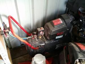 Blackridge BAC180, BAC200 air compressors, spray gun, air tools Tahmoor Wollondilly Area Preview