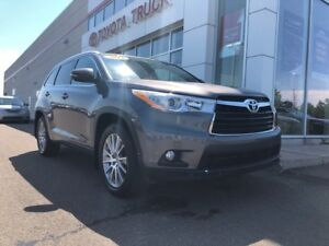 2014 Toyota Highlander XLE XLE AWD Local trade Excellent Conditi