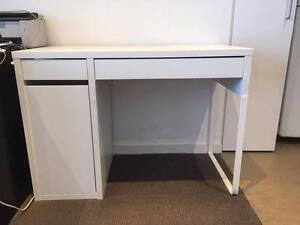 White desk Macquarie Park Ryde Area Preview