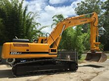 Hyundai Excavator Loader machine 320LC-7 32 ton  Mud bucket hitch Yatala Gold Coast North Preview