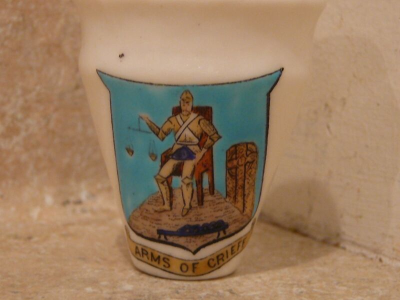 WH GOSS CRESTED CHINA ARMS OF CRIEFF ANCIENT URN KIRKPARK MUSSELBURG NB GOSHAWK