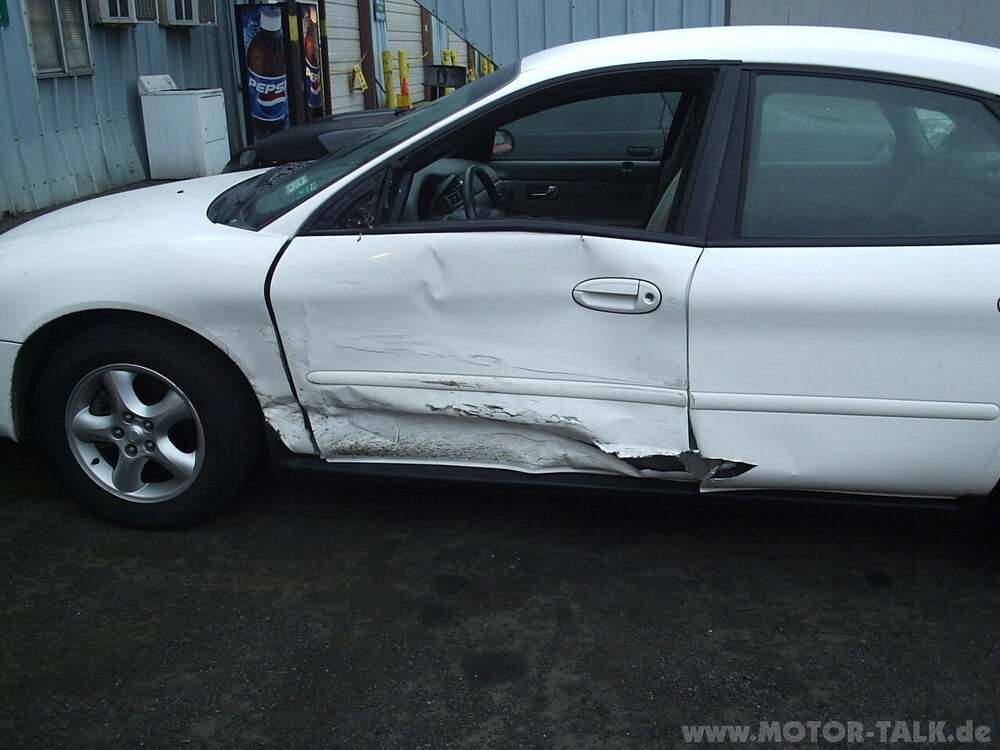 ford-taurus-accident-002