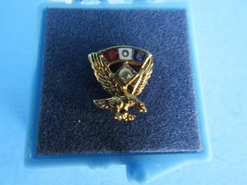 VINTAGE Fraternal Order Of Eagle FOE PIN WITH DIAMOND?
