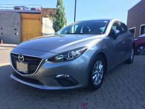 2015 Mazda Mazda3 GS, LOW KILOMETERS! ONE OWNER! BACK-UP CAMERA!