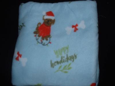 CHRISTMAS FUN PRINT FLEECE BLANKET, YAPPY HOLIDAYS  SANTA PAWS, DOG BONES 50X60