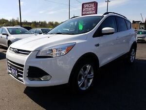2015 Ford Escape SE SE  REAR CAMERA !! BLUE  TOOTH !! LEATHER !!