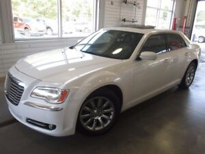 2013 Chrysler 300 TOURING + TOIT + A/C +GR. ELECT. + BAS KILO TO