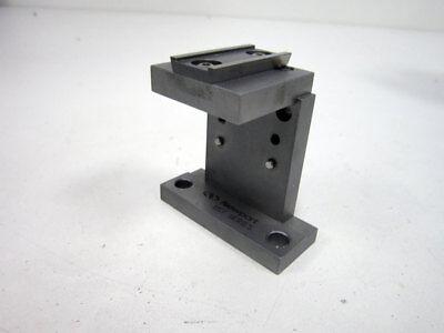 Newport 561-ust Fixed Platform Universal Stand