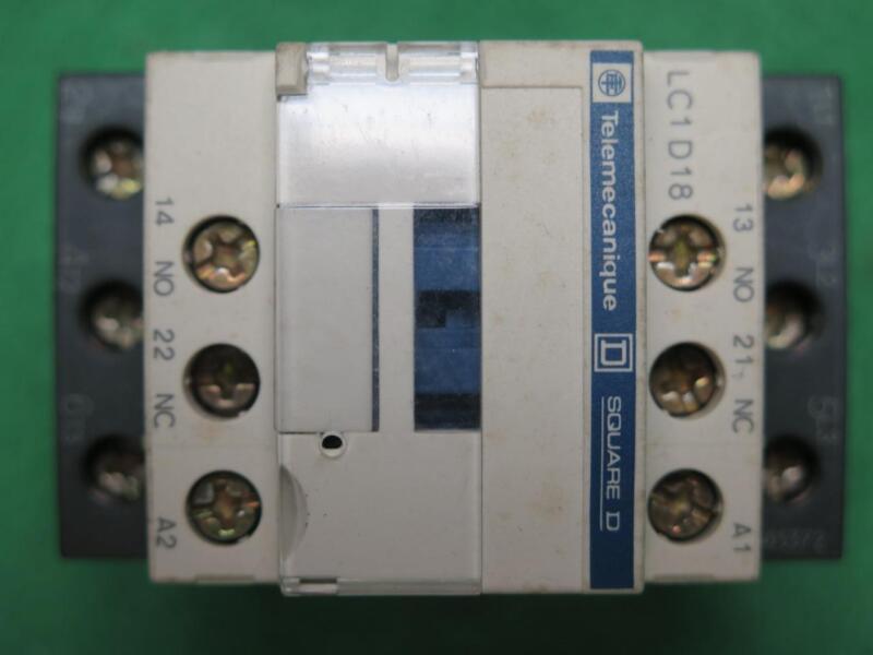 TELEMECANIQUE SQUARE D LC1D18G7 CONTACTOR 120 V COIL 50/60Hz 600VAC LC1D18 G7