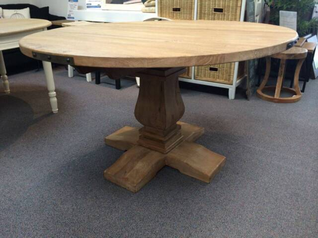 Hamptons solid timber round timber dining table 135cm or for Gumtree beauty table