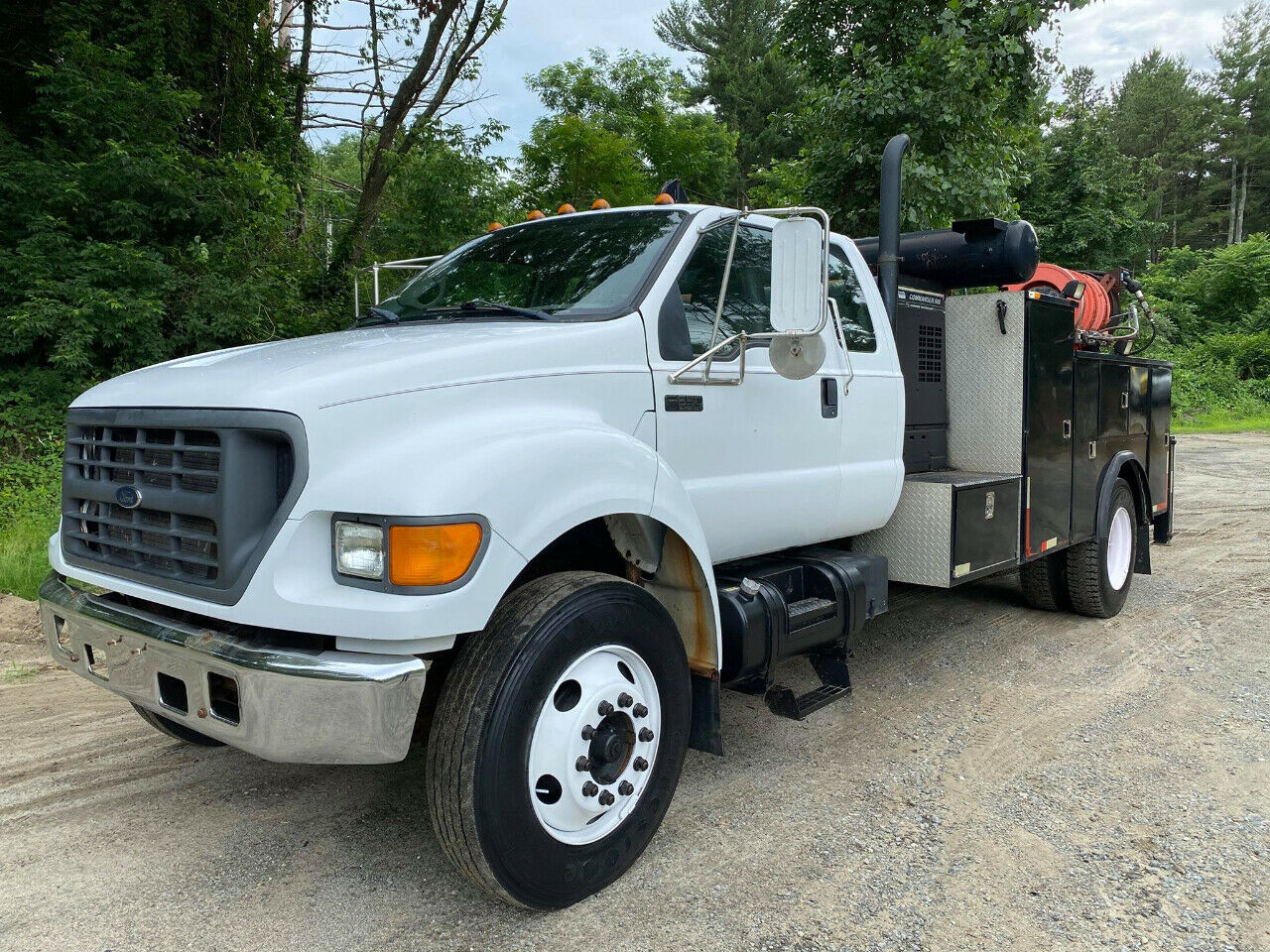 2000 Ford F650 Under CDL Service Utility Truck