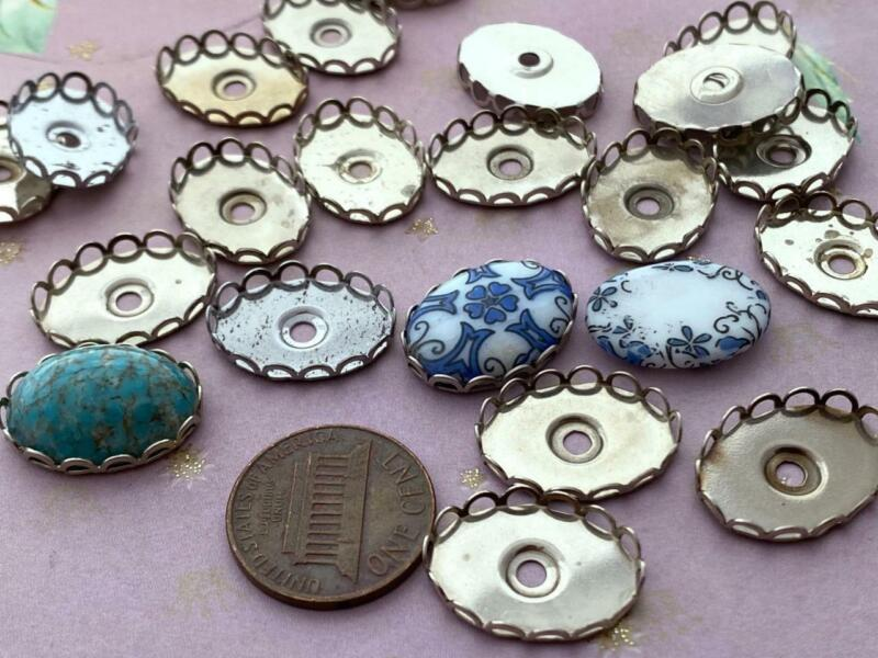 Vintage 14 x 19mm Scallop Edged Silver Tone Metal Oval Settings 20