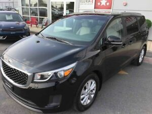 2016 Kia Sedona LX **8 Places**