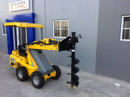 Ozziquip Puma Loader with Fencers