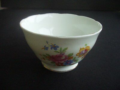 ATTRACTIVE FLORAL PATTERNED SUGAR BOWL