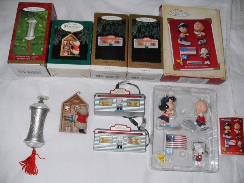 Lot of 5 HALLMARK KEEPSAKE CHRISTMAS ORNAMENTS collector club