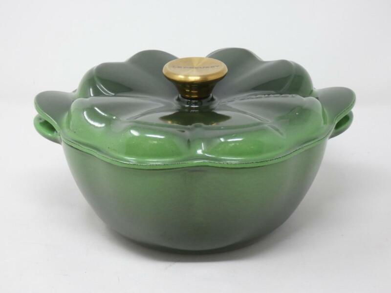 Le Creuset Emerald Green 4 Leaf Clover 2.25 Quart Dutch Oven Cast Iron Gold Knob