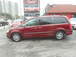 2010 Chrysler Town & Country LIMITED FULLY LOADED MINT MINT MINT