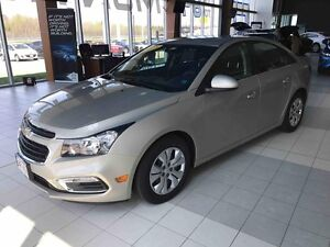 2015 Chevrolet CRUZE 1LT Only 67k! 6-Speed Automatic! Great on f