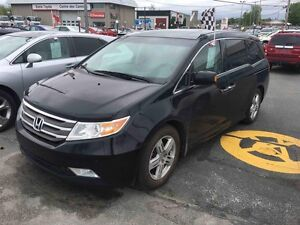 2011 Honda Odyssey Touring GPS CUIR DVD TOIT OUVRANT 8 PLACES