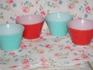 4 VINTAGE RETRO PYREX JAJ SMALL DISHES BOWLS KITCHENALIA  K5909