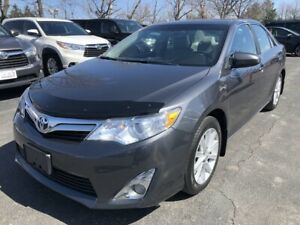 2013 Toyota Camry | LOW KM, Navigation, Backup Camera, Bluetooth