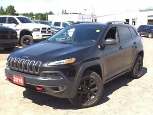 2016 Jeep Cherokee Trailhawk LEATHER! NAV! BACK UP CAMERA!