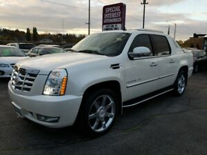 2011 Cadillac Escalade EXT CLEAN CAR PROOF !!  LOW KMS !!  NA...