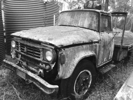 International D1710 Tabletop Farm Truck Rat Rod V8