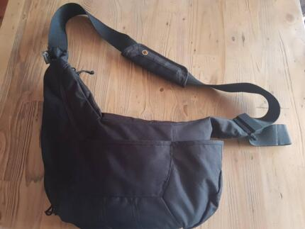 Lowepro Passport Sling Camera Bag in excellent condition