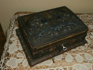 vintage polycrome decorative wooden box with key - Decorative Wooden Boxes
