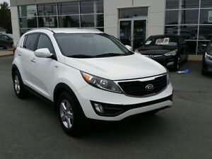 2014 Kia Sportage AWD, Back up camera, Heated seats.