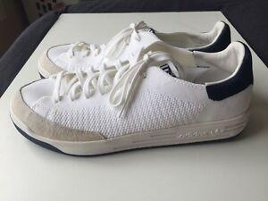 Brand new Adidas Rod Laver Primeknit Size 10 US