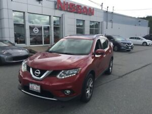 2014 Nissan Rogue SL All Wheel Drive! Leather, Sunroof!